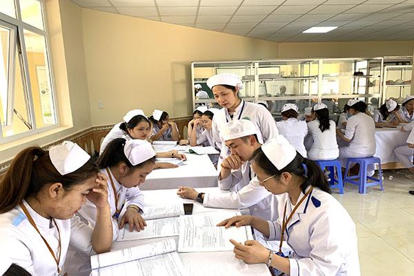 Dự án HPET: Hội thảo chia sẻ kinh nghiệm phương pháp giảng dạy ngành Điều dưỡng